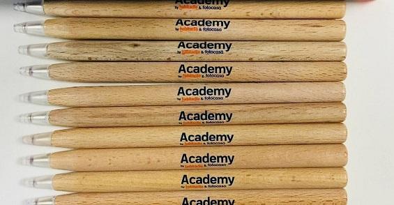 Encuentra toda la formación inmobiliaria de Academy by habitaclia & Fotocasa en Facebook